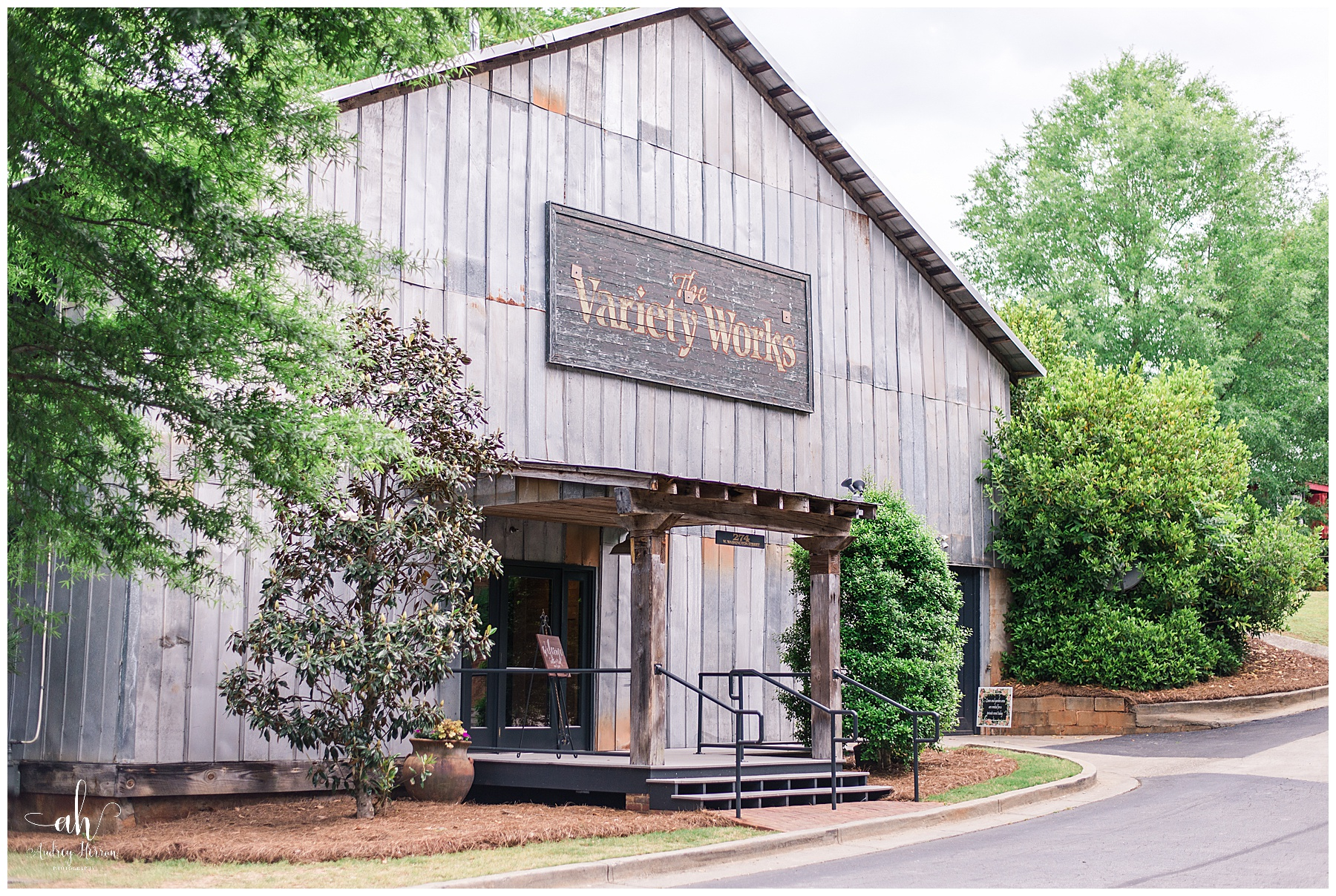 The Variety Works, Variety Works Wedding, Variety Works Madison, Variety Works Madison Georgia, Madison Georgia Wedding, Georgia Wedding Photographer, Southern Wedding, The Variety Works Wedding