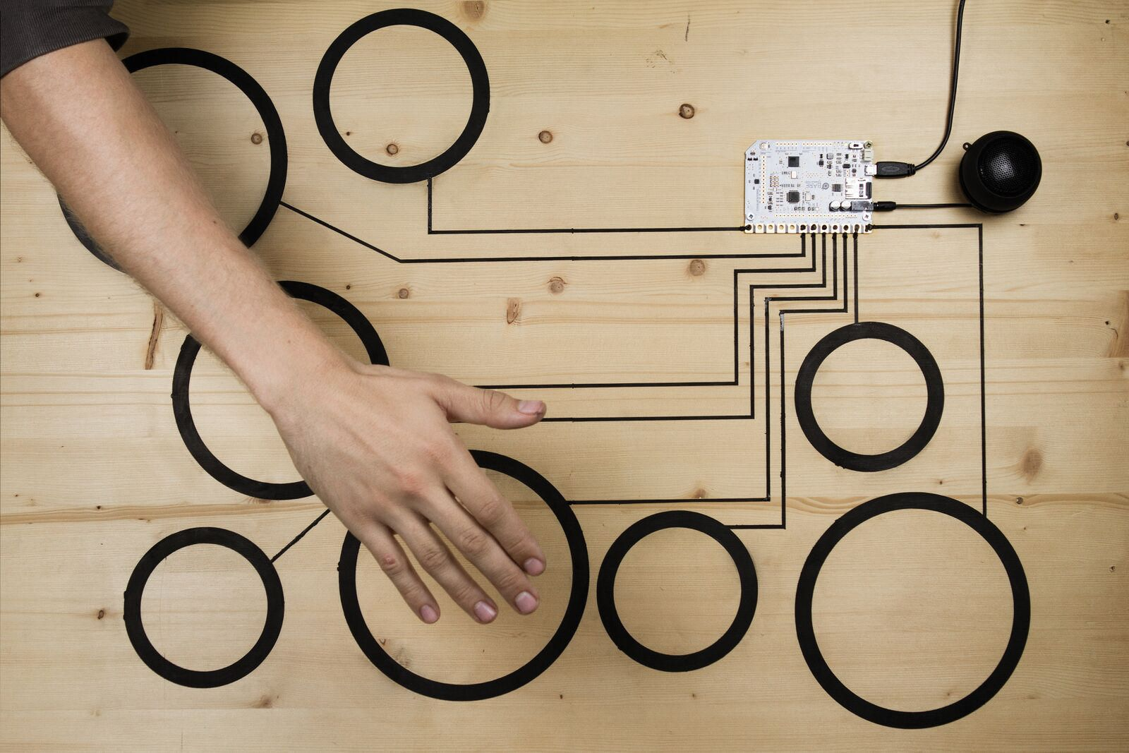 Bare-Conductive-Touch-Board-N-008.xxl3.jpg