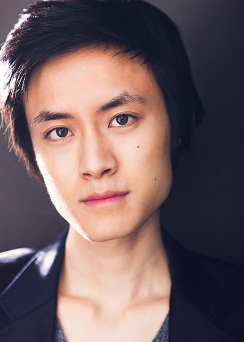 Elijah Guo Headshot 1.jpg