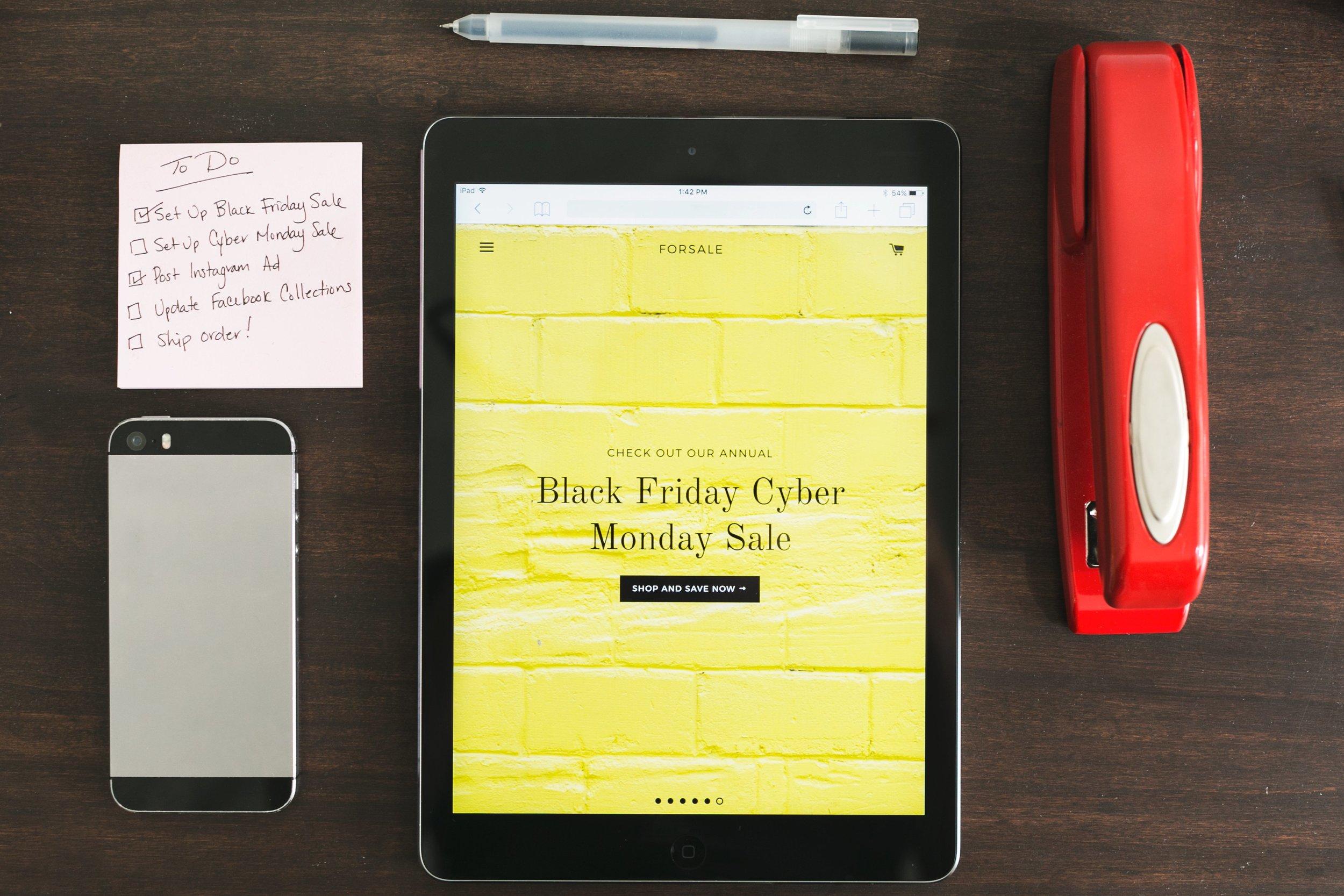 black-friday-sale-tablet.jpg