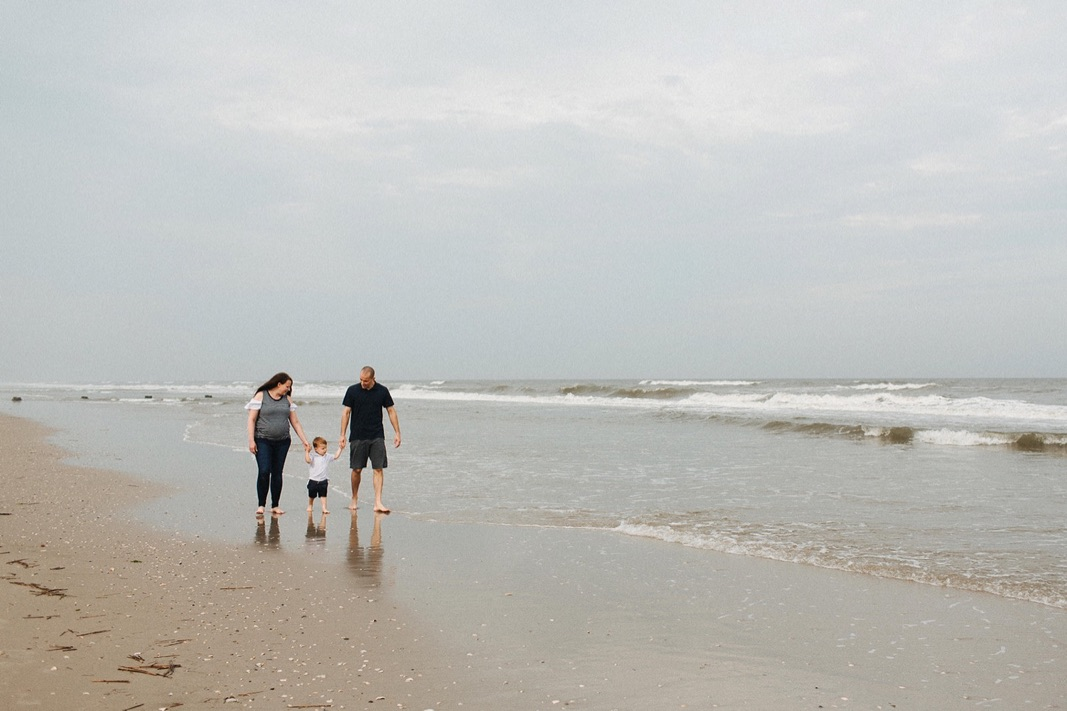 10_beach_lifestyle_photography_avalon_family.jpg