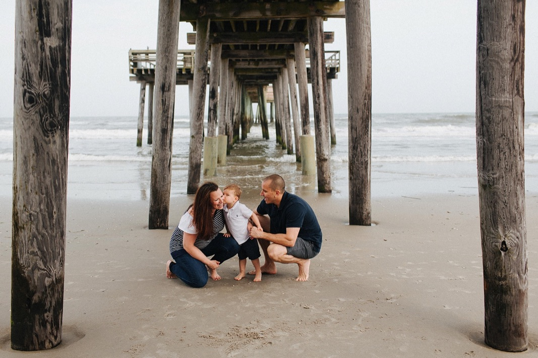 17_beach_lifestyle_photography_avalon_family.jpg