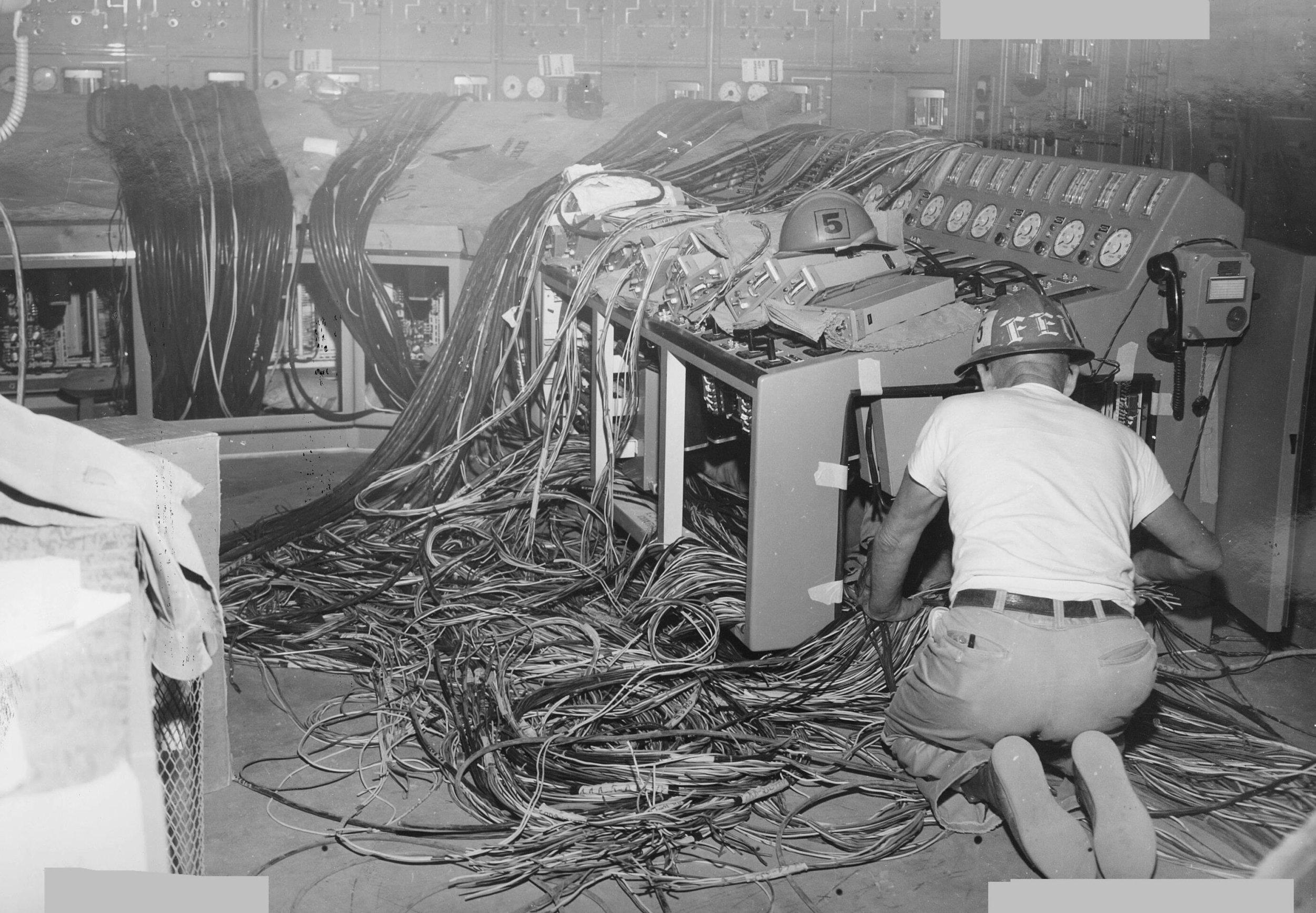 n-reactor-control-room-wiring-1963.jpg