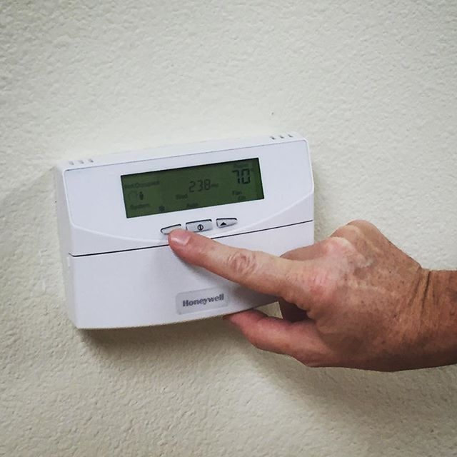 programmable-thermostat.jpg