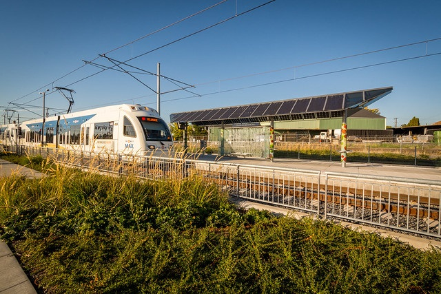 Many TriMet MAX and Bus Shelters Have Solar Arrays