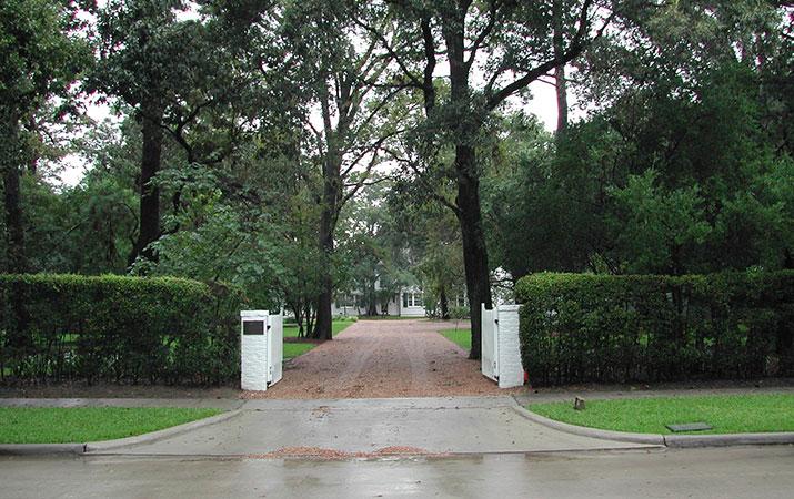 INWOOD- GATE.jpg