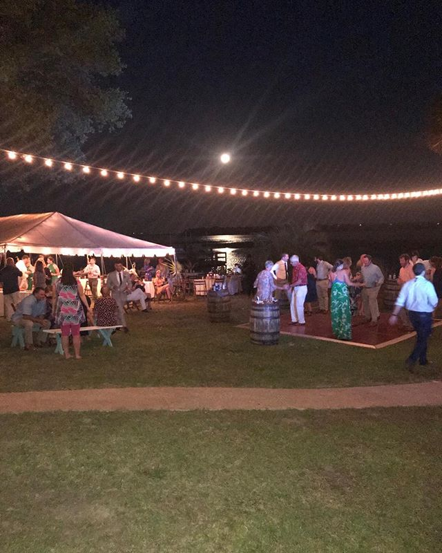 #smithhappens #taracrammerevents #sunsetbeach #ncweddings #genehophotography
