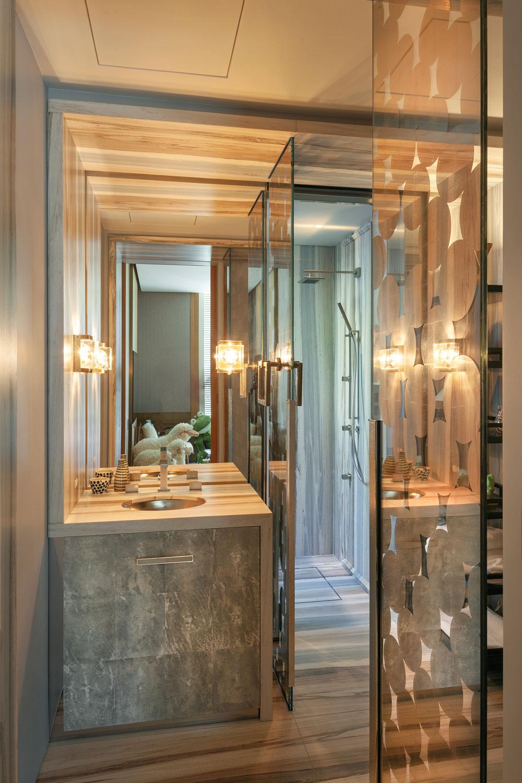 4-CorbinReeves-guest-bathroom-vanity.jpg