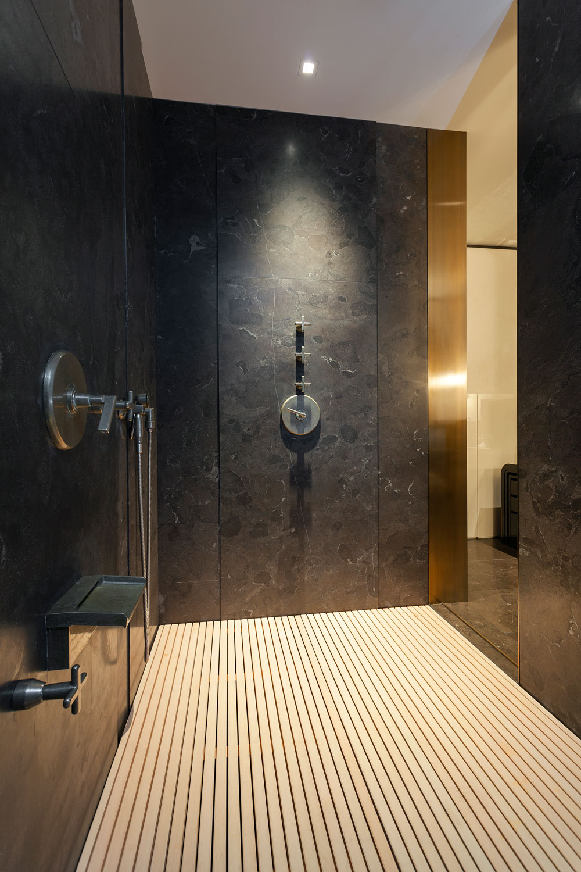 7-CorbinReeves-master-bathroom-shower-standing.jpg