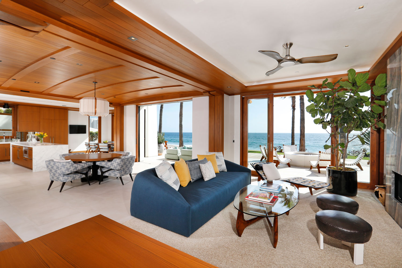 5-Open-Floor-Plan-Contemporary-Beach-House-Corbin-Reeves.jpg