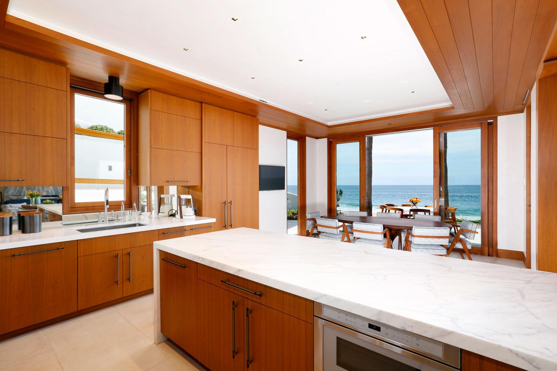 9-Modern-Kitchen-Warm-Wood-Marble-Countertops-Corbin-Reeves.jpg