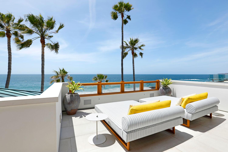 19-Roof-Patio-Beach-House-Ocean-Views-Corbin-Reeves.jpg