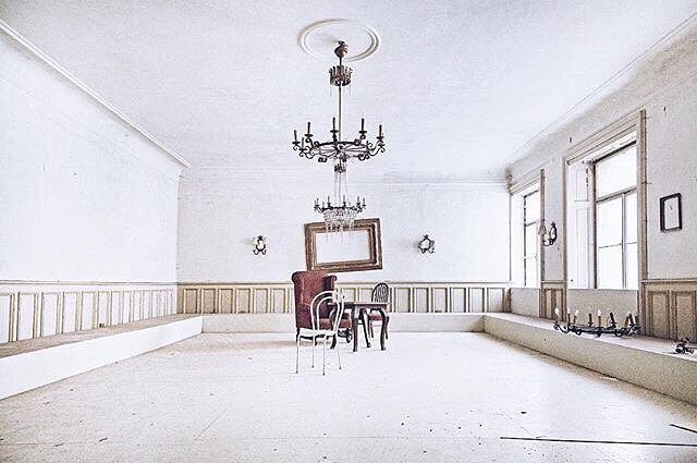 Can you even imagine? The ballroom dances we're about to enjoy? It's now sooner then later. // photo of beautiful Hotel Straubinger by @photobyannci #abandonedbadgastein #visitbadgastein #madeforthefuture