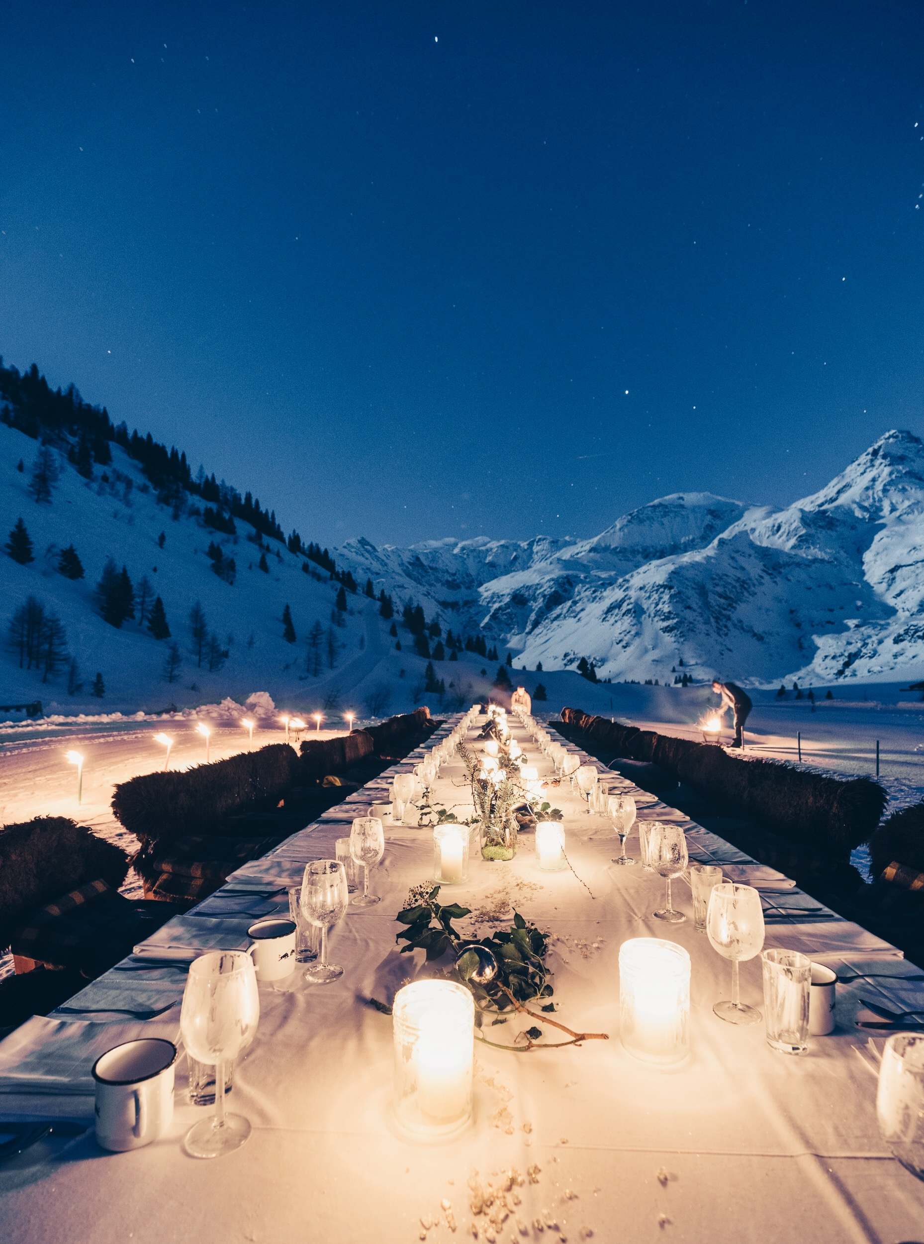 FULL MOON DINNERApril 18, 2019 - A DINING EXPERIENCE DESIGNED BY STUDIO5640, WEITBLICK & TOURISM BAD GASTEIN// photo by Hannah Bichay