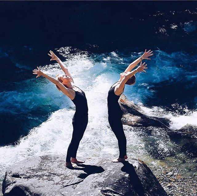 WIN: How about 3 days of yoga, meditation and quiet time amongst a lovely tribe of kindred spirits? Like, nxt to our waterfall? In the woods. Or maybe on a mountain top? Join us at our annual yoga celebration May 30th - June 10th! 30 teachers, 300 yoga sessions all over our magic mountains - indoors and outdoors. @hotelmiramonte is hosting a sweet give-away for you and a friend! Head on over there for your chance to win. // photos by @rebeccavonrehn @vyhnalek @nadinbrendel @studio5640 #visitbadgastein #fountainofyouth #badgasteinhotsprings