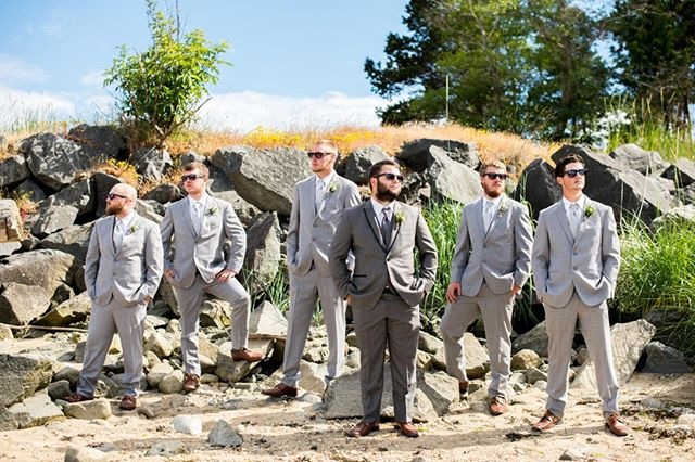 You can bet that these guys were definitely sweating under those fancy suits just like me in this heat! Praise God for the beautiful weather and also for air conditioners 🙌 Shot with @thehannahmartin ⠀⠀⠀⠀⠀⠀⠀⠀⠀ -⠀⠀⠀⠀⠀⠀⠀⠀⠀ -⠀⠀⠀⠀⠀⠀⠀⠀⠀ -⠀⠀⠀⠀⠀⠀⠀⠀⠀ #vancouverweddingphotographer #wedphotoinspiration #vancouvercreatives #elopementphotographer #heyheyhellomay #weddinging #greenweddingshoes #portlandphotographer #explorebc #littlethingstheory #weddingday #vancouverphotographer #bcweddingphotographer #shootandshare #elopementphotography #junebugweddings #roamthepnw #socality #wedventuremag #adventurebrides #groomsmen #groomstyle #muchlove_ig #mrandmrs #emotionoverperfection #dirtybootsandmessyhair #pnwedding #lovefolk