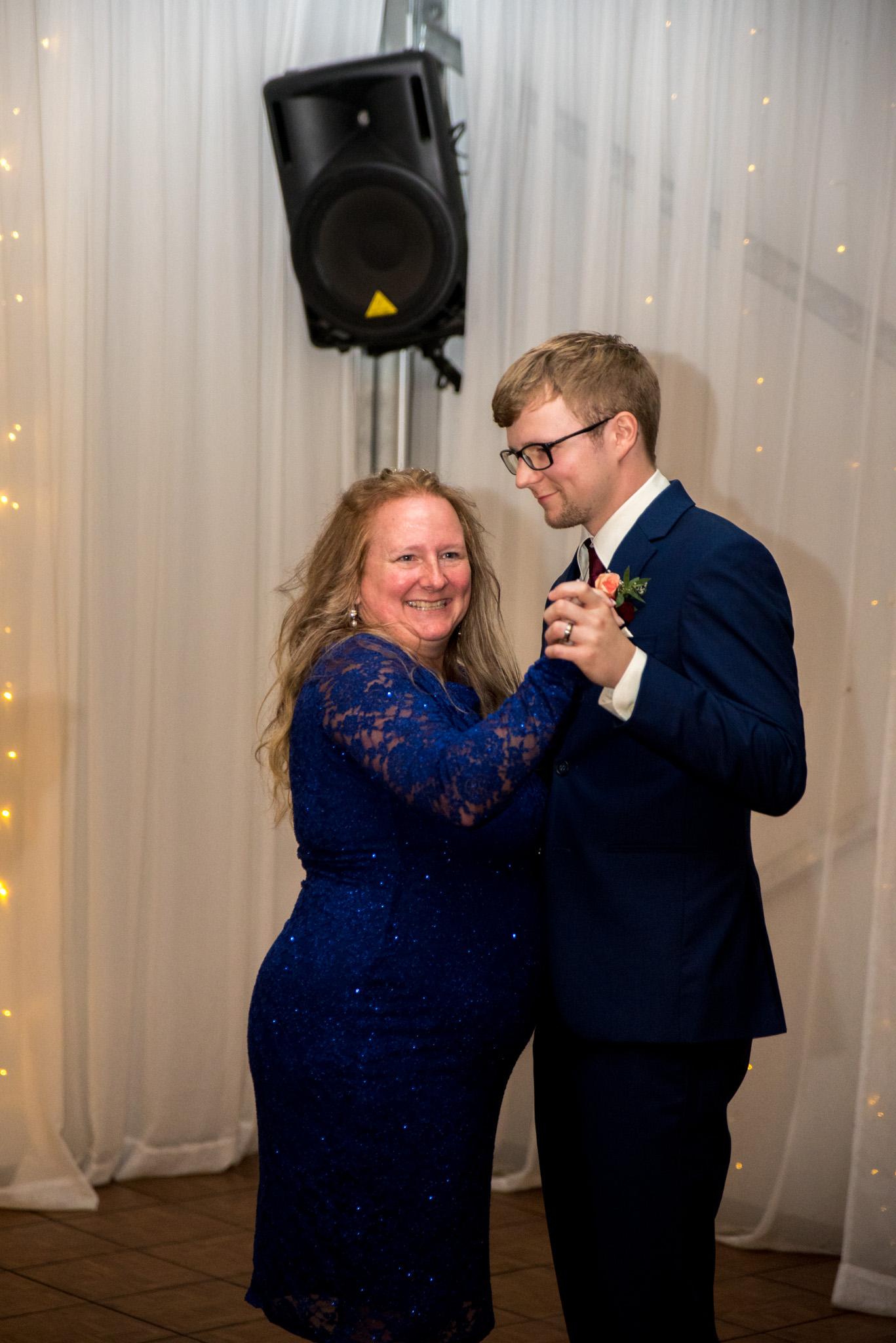 Abbotsford Wedding Photographer-92.jpg