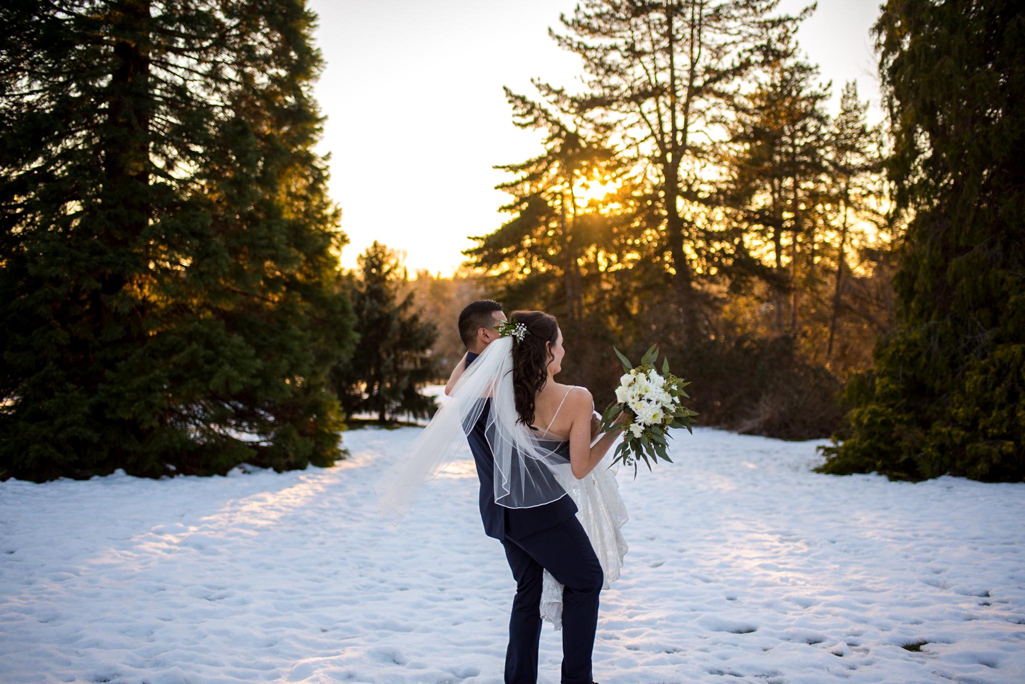 Snowy Wedding Photo in Queen Elizabeth Park in Vancouver BC