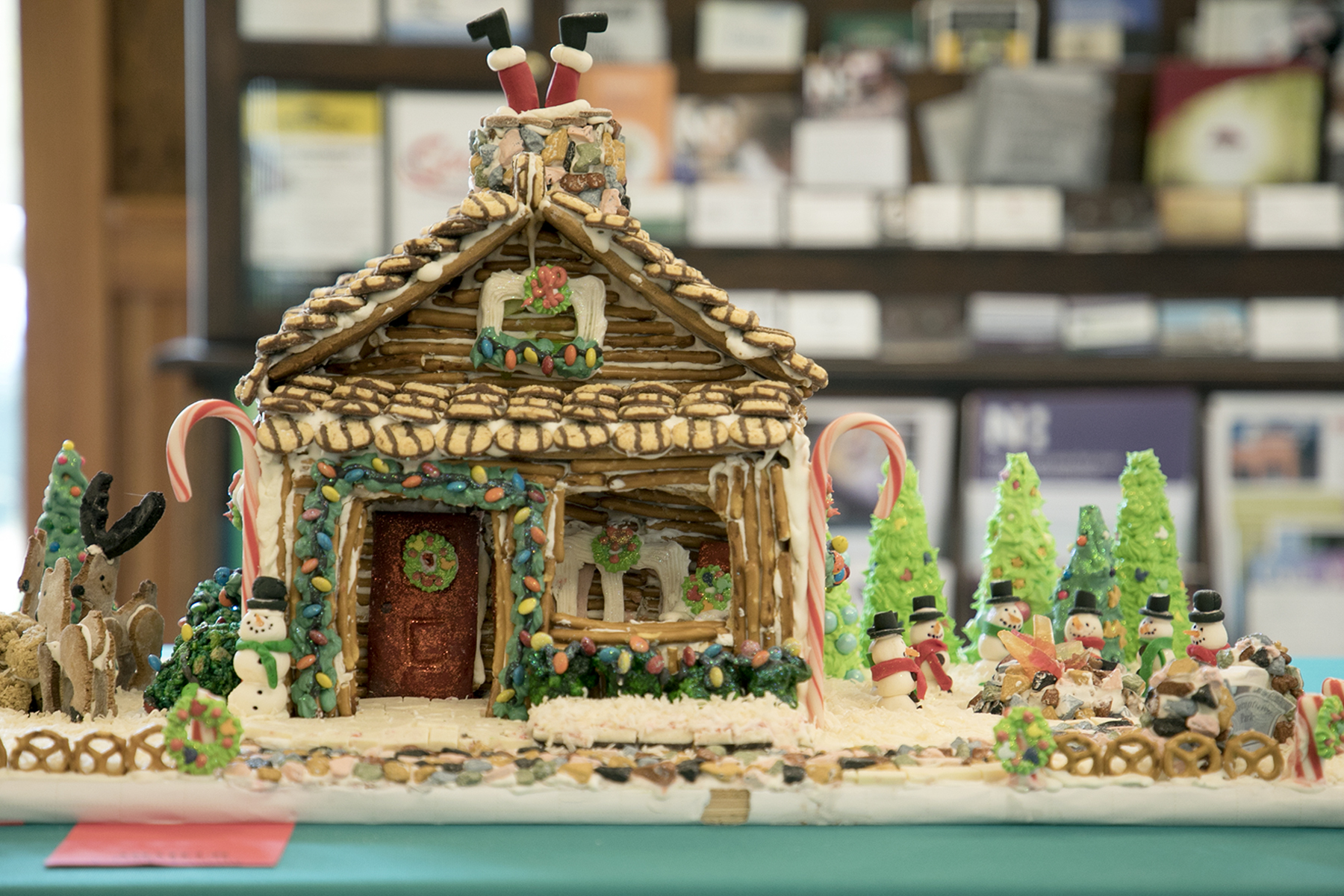 gingerbread log cabin.jpg