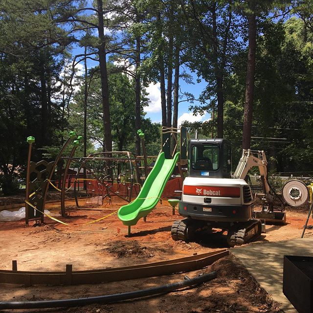 Baucom Park is looking good. I'm sure mine aren't the only ones who hope the Bobcat stays! 😂#matthewsnc #publicparks #freefun