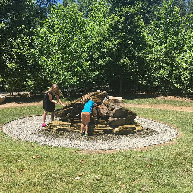 Pro-Tip: when the kids start fighting, take them to a @townofmatthews #publicpark. Instantaneous laughter and fun! (Totally not guaranteed, definitely not sure it will last, always worth a try.) #matthewsnc #freefun #familyfriendly