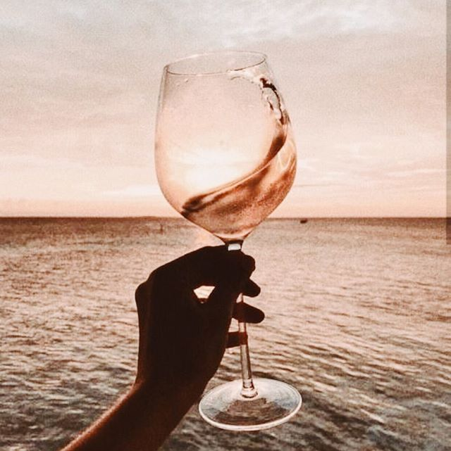 Cheers to the week ahead! ✨Go out there and make sure to find joy in the little things. What's one little victory you plan on celebrating with a glass of rosé this week if you achieve it?! ⠀⠀⠀⠀⠀⠀⠀⠀⠀ .⠀⠀⠀⠀⠀⠀⠀⠀⠀ .⠀⠀⠀⠀⠀⠀⠀⠀⠀ .⠀⠀⠀⠀⠀⠀⠀⠀⠀ .⠀⠀⠀⠀⠀⠀⠀⠀⠀ .⠀⠀⠀⠀⠀⠀⠀⠀⠀ #xtan #xtanremover #spraytan #spraytanremover #tan #faketan #faketanremover #allnatural #allnaturalbeauty #organic #organicbeauty #cleanbeauty #tanning #tan spraytanning #sunlesstan #glow #organic #sunlesstanning #sunless #summer #glowingskin #bronzed #skincare #tanlines #vacation #tanlife #wedding #sunlesstanremove #bronzegoddess #sunkissed