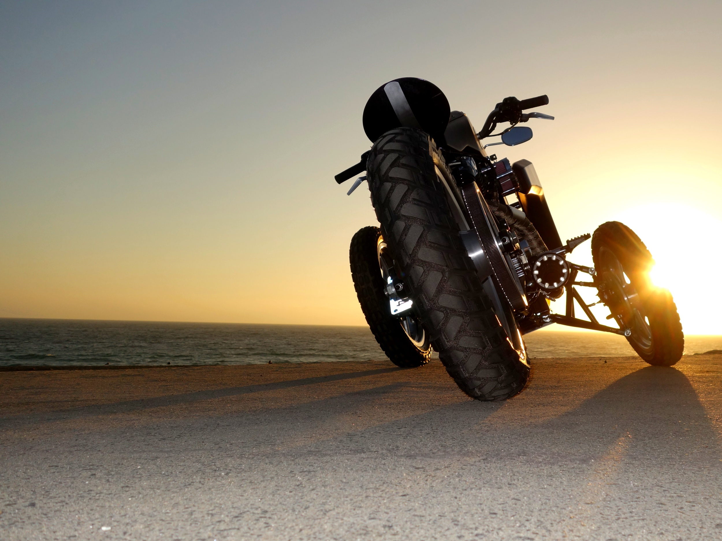 Garmr - Sunset - Sunset Beach - 2500px - V1.jpg