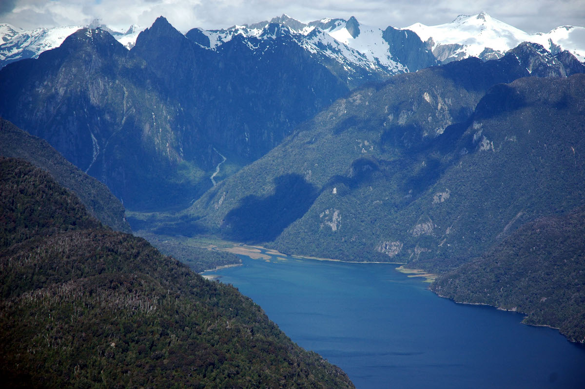 TRIP HIGHLIGHTS - Spectacular white capped PeaksVolcanoesGlacial valleysEmerald LakesPrimeval temperate rainforestsMarine wildlife, including dolphins, sea lions, penguins and other sea birdsMother ship and chefRelaxing hot poolsSleeping under the diamond stars of the Southern Cross