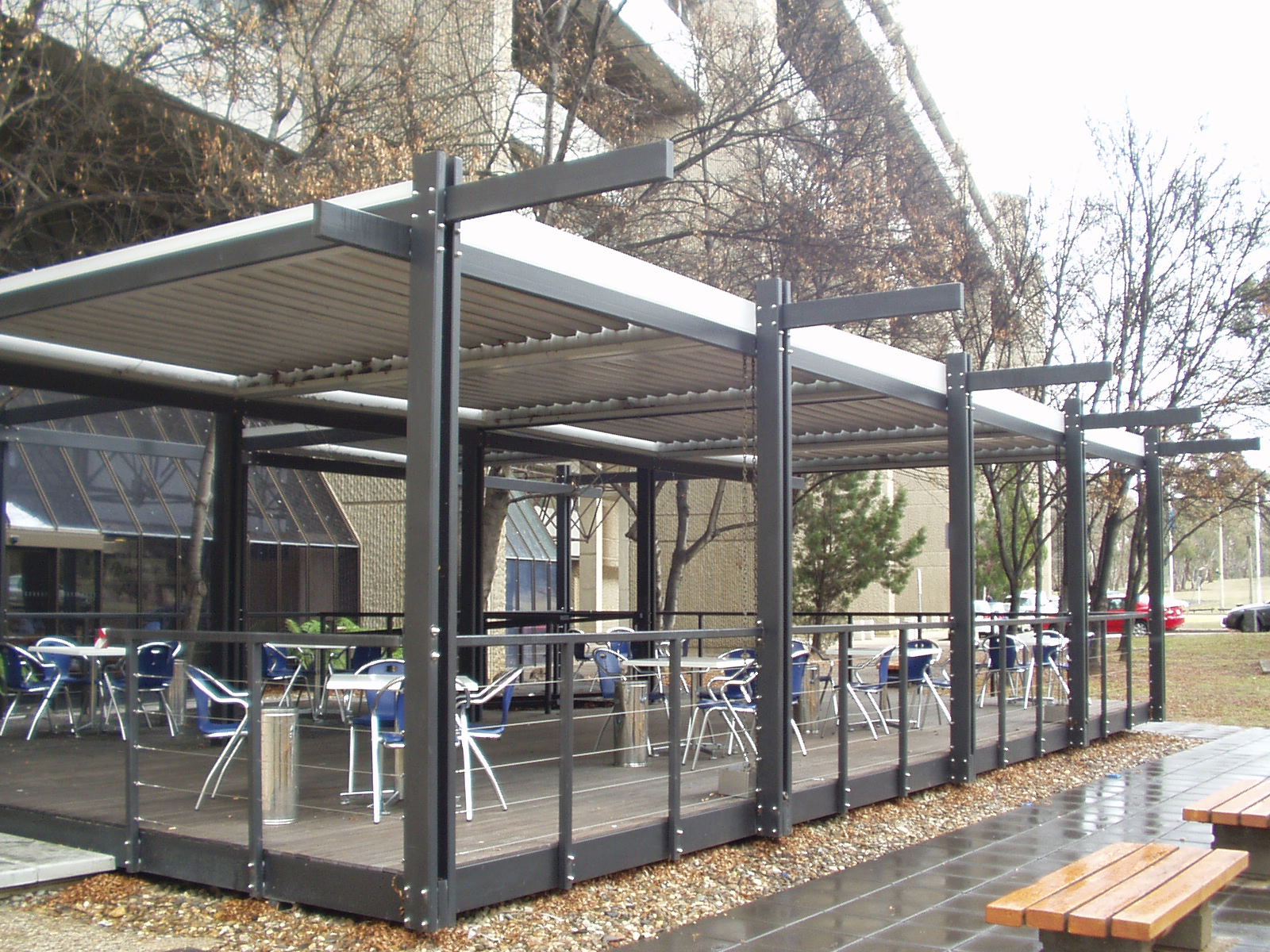 Commercial - The control and versatility offered by Vergola® can help to maximise your customer experience.Vergola® can be a valuable and versatile outdoor solution for restaurants and cafes, university campus, school playgrounds, clubs, science and technology parks, sports facilities, pool decks on boats, hospitals are just some of the places Vergola® has been installed Australia-wide.