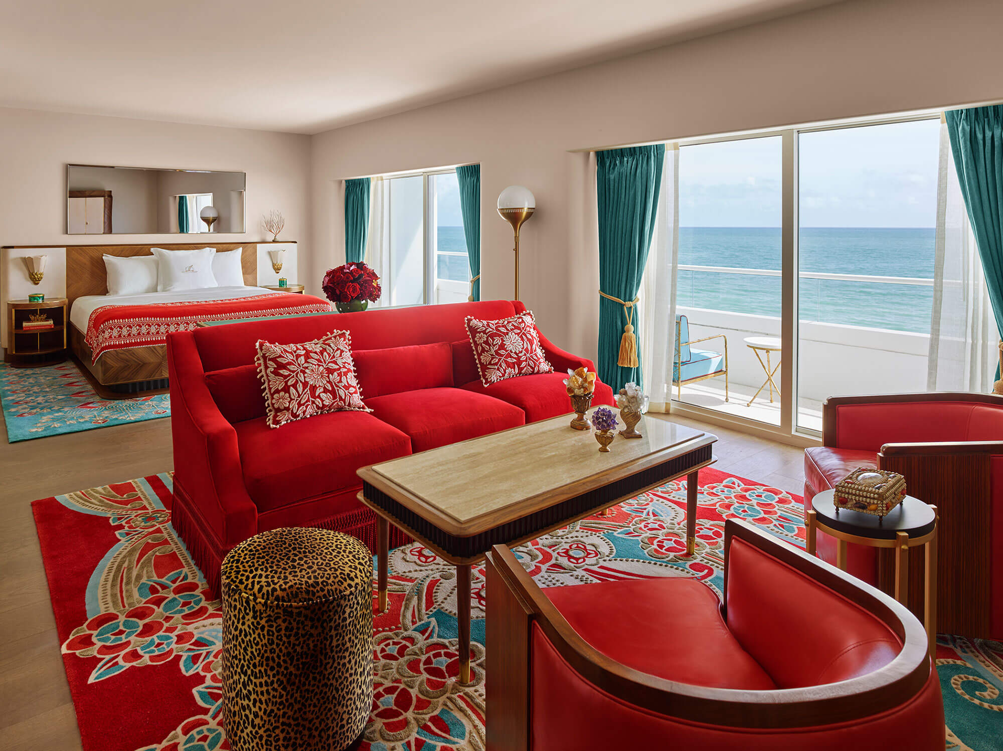 07_Rooms_Faena_hotel_807_RGB_Premier-Ocean-Front-Junior-Suite.jpg