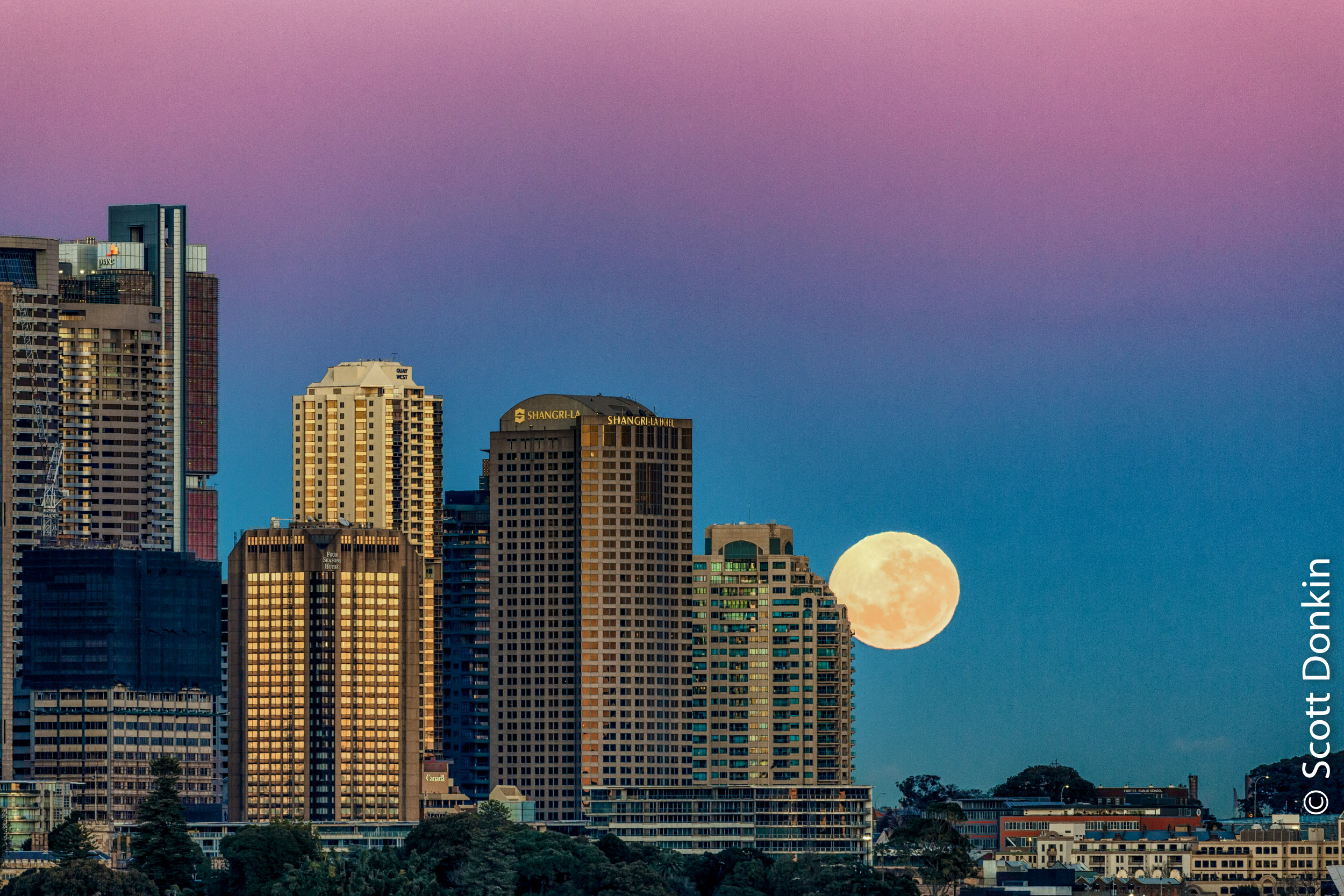 Moonset at dawn. Sydney skyline. 8 August 2017.