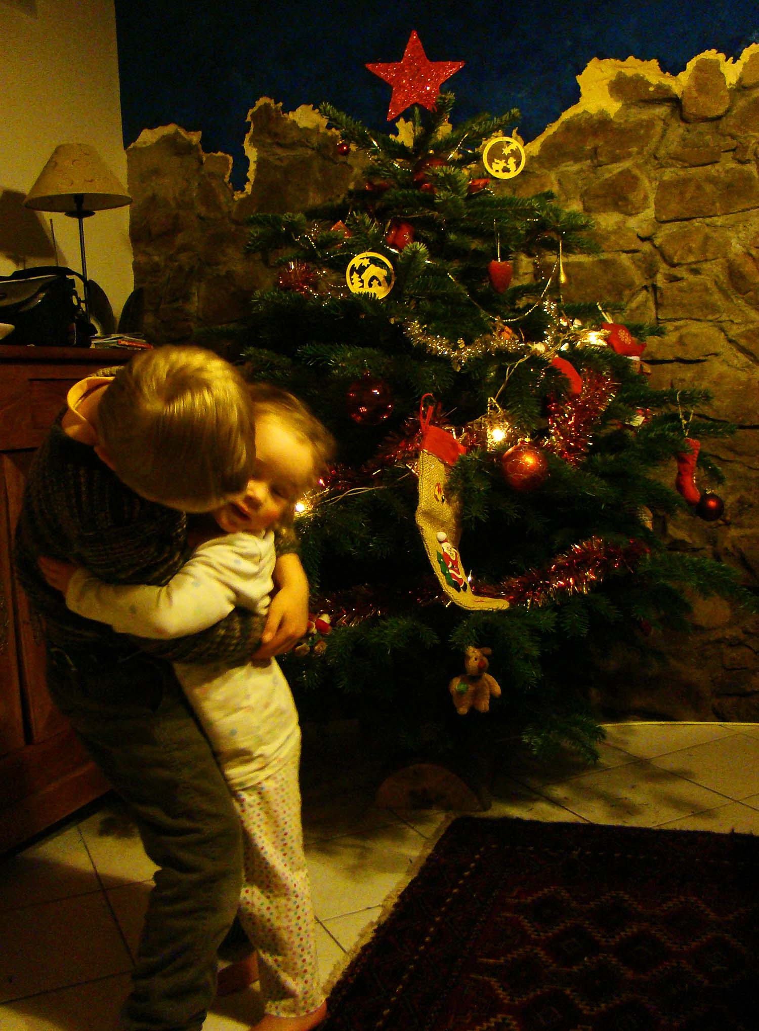 Christmas_tree_hug.jpg