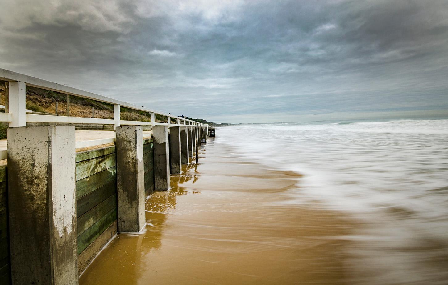 Main Beach Tide