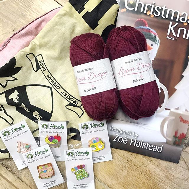 Congratulations @sparklejulia you are our third winner and you have bagged yourself 200g of Stylecraft Linen Drape in the Sangria colour, a project bag, a set of pin badges and King Coles Christmas Knits volumes 1 & 2!! Please dm me with your address so I can get it all shipped off to you :-) there are still plenty of prizes to be one, head to the origional post to join in! . . . #keepyarnonourstreets