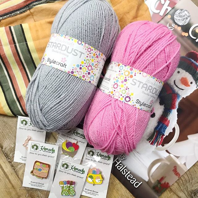 Congratulations @tracey689 you are our fourth winner and you have bagged yourself 200g of Stylecraft Stardust, a project bag, a set of pin badges and King Coles Christmas Knits volumes 1 & 2!! Please dm me with your address so I can get it all shipped off to you :-) there are still plenty of prizes to be one, head to the origional post to join in! . . . #keepyarnonourstreets