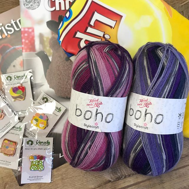 Congratulations @aufaitcrochet you are our fifth winner and you have bagged yourself 200g of Stylecraft Boho, a project bag, a set of pin badges and King Coles Christmas Knits volumes 1 & 2!! Please dm me with your address so I can get it all shipped off to you :-) there are still plenty of prizes to be one, head to the origional post to join in! . . . #keepyarnonourstreets