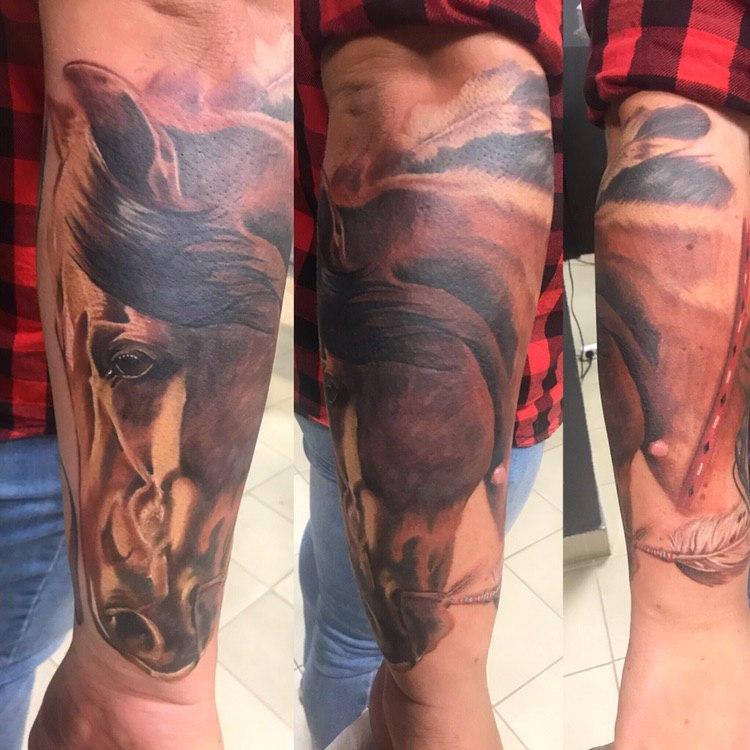 лошадь в реализме,мастер Сергей Левицкий.jpg