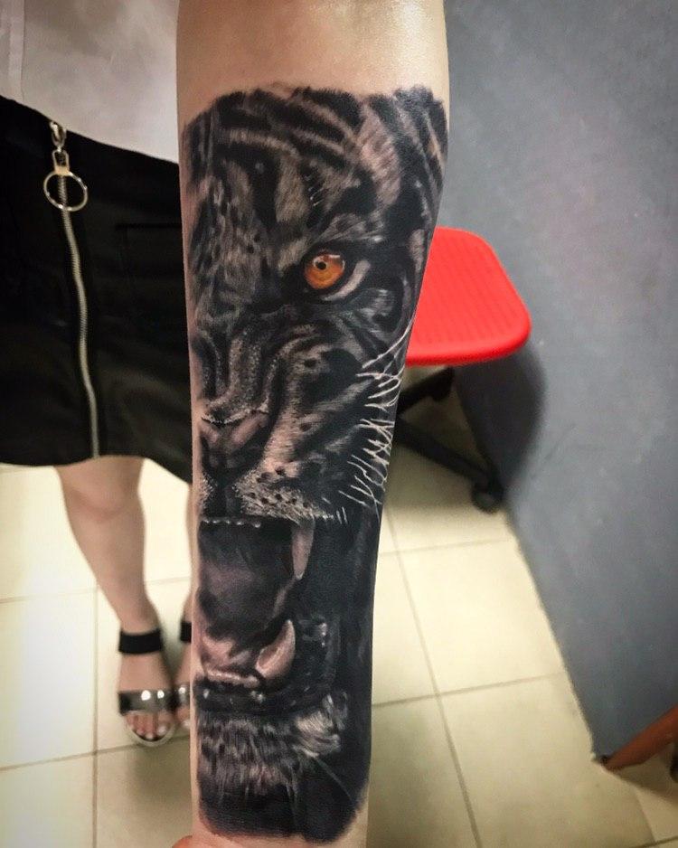 тигр в реализме,мастер Сергей Левицкий.jpg