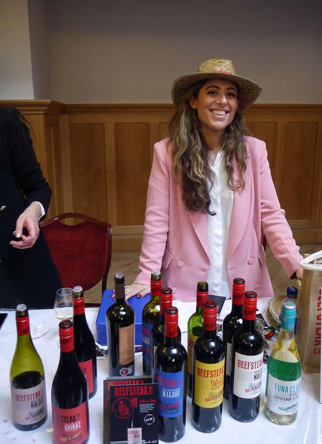 It's all about style! The Beesteak Club team brought along good wines but also the much-instagrammed panama hats.