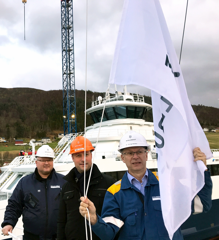 Frå venstre: Prosjektleiar Øyvind Sandvik, teknisk sjef Joachim Ofstad Ness (FosenNamsos Sjø) og prosjektleiar Tor Inge Nordmo.