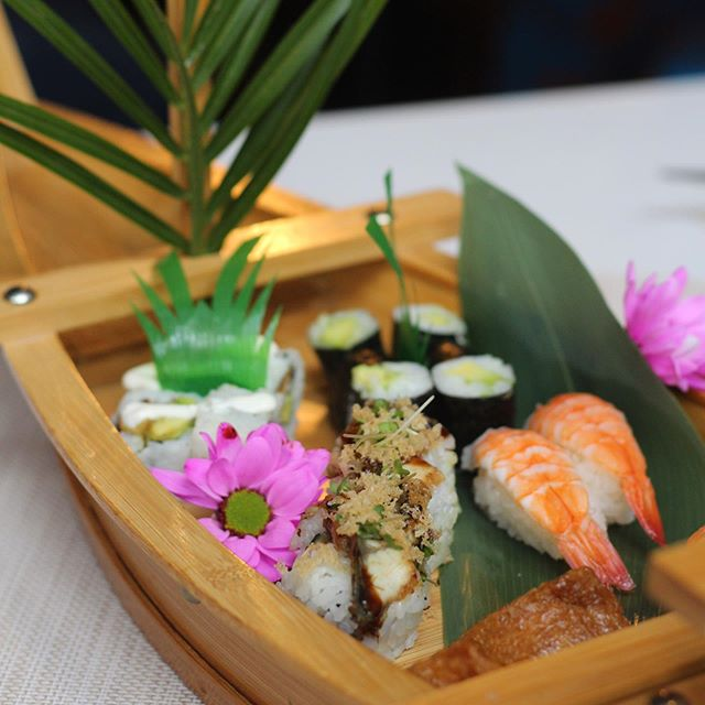 Come hop on into our #SushiBoat this Lunchtime!!🍣🛶 For only £18pp, indulge on our bottomless sushi🤤😍(see link in bio)
