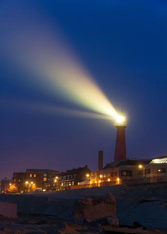 dreamstime_xs_26281138 © Dennis Van De Water lighthouse at night.jpg