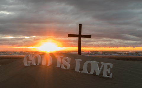 dreamstime_xs_84301570 © Ross Henry God is love.jpg