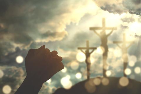 dreamstime_xs_121850928 © Paulus Rusyanto gods glory the cross.jpg