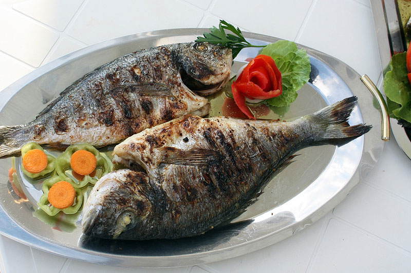 Grilled fish,    Photo    by pompi,    CC0 1.0