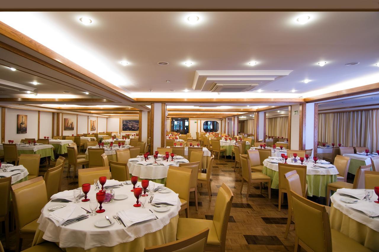 Hotel Regina Restaurant High Res.jpg