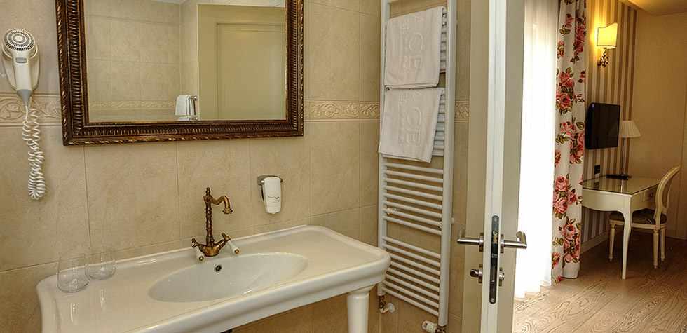 hotel_grace_07.jpg