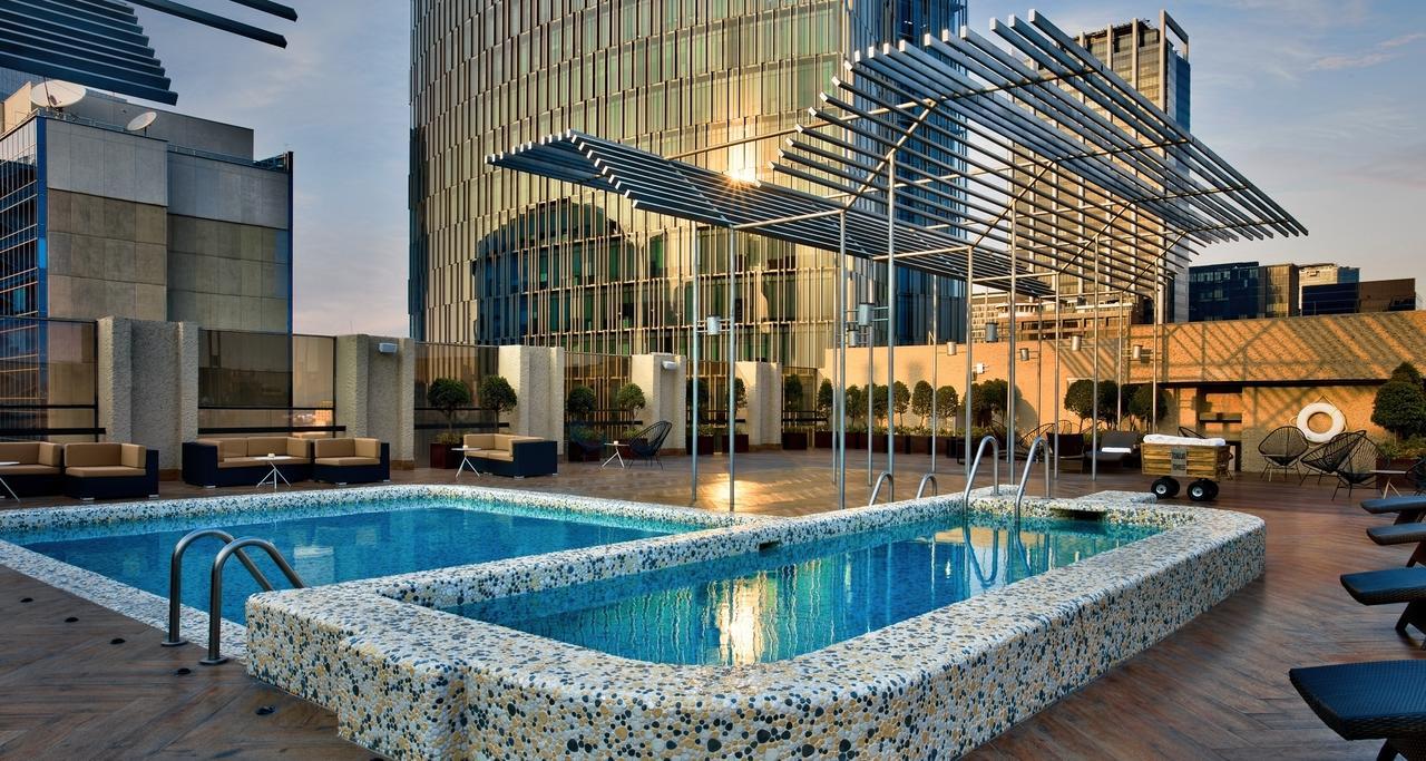 Galeria Plaza Pool.jpg