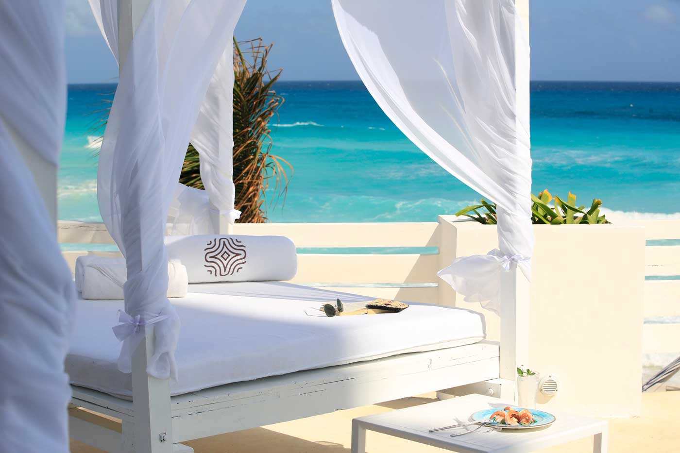 Hotel Oleo - 7 nights on a shared room basis in a luxury 4* beachfront hotel.