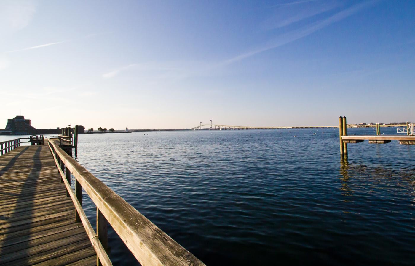 sarah_kendall_bg_newport_dock1.jpg